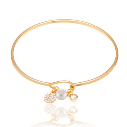 Picture of Sterling Silver Cubic Zirconia Pearl and Circle Charm Bangle