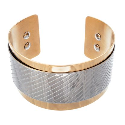 Imagen de Two Tone Stainless Steel Slanted Line Engraved Cuff Bangle